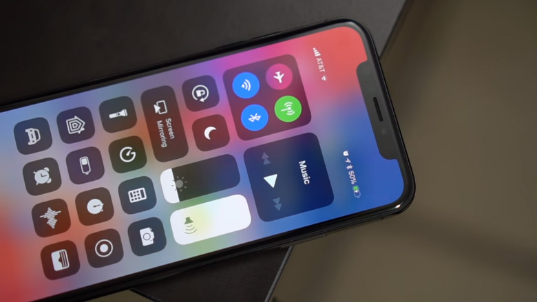 iPhone X table